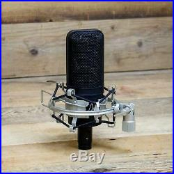 Audio-Technica AT4033a Condenser Microphone withShock Mount AT-4033 A Mic U141037