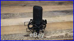 Audio Technica AT4040 Condenser Microphone withShock Mount AT-4040 Mic U109142