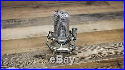 Audio-Technica AT4047/SV Condenser Microphone withShock Mount AT-4047 Mic U107442
