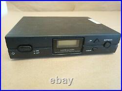 SEE DESCRIPTION AUDIO-TECHNICA ATW-2110 2000 Series Handheld Mic System