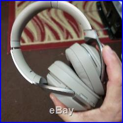 Sony WH-1000XM2 High-Resolution Audio Black